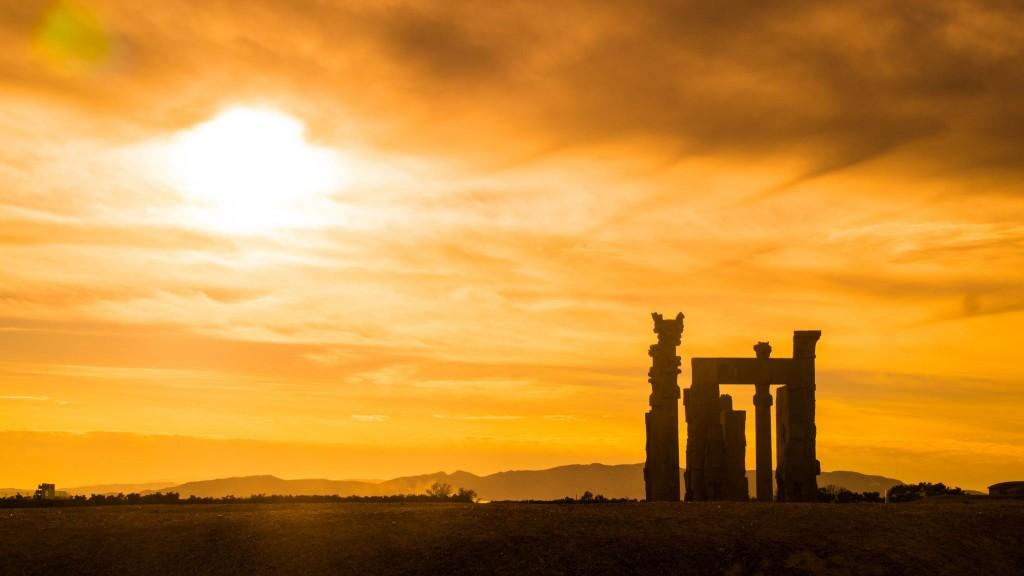 Puesta de sol en Perspolis, Viaje a Irán, Visado para Irán y Tours de Irán.