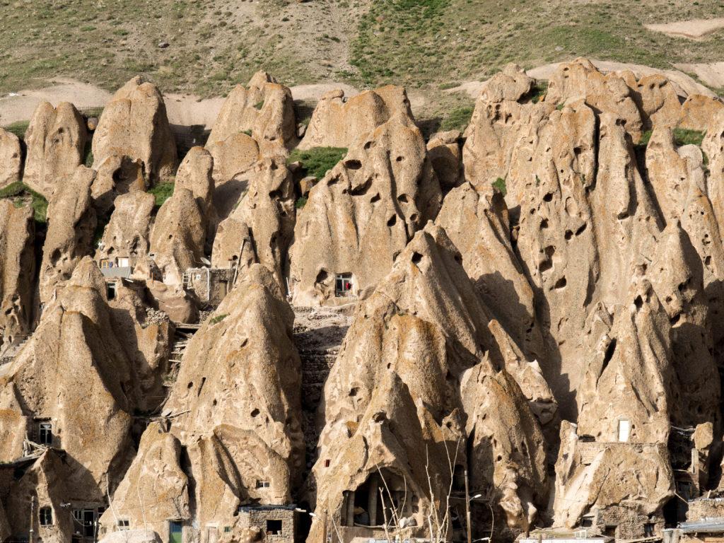 casas en cuevas visitar kandovan en Iran
