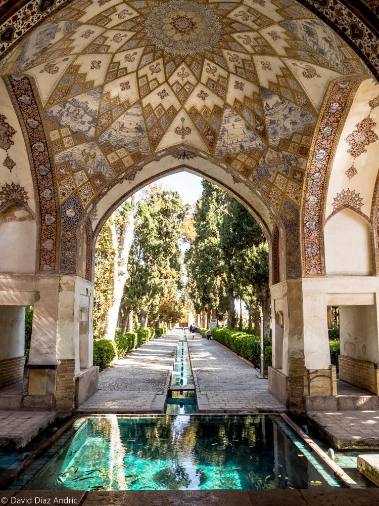 Visitar Kashan: Fuente en el Jardín Fin (Kashan, Iran)